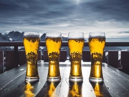 4杯のビール