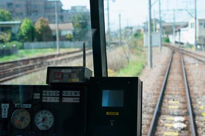 電車の中から見る景色