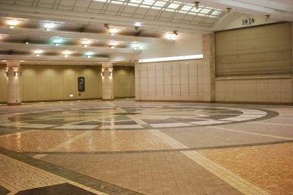 広島駅の地下広場