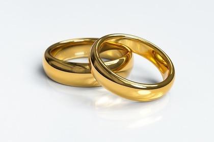 金色のリング