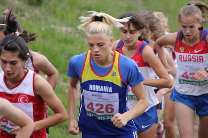マラソンをする女性