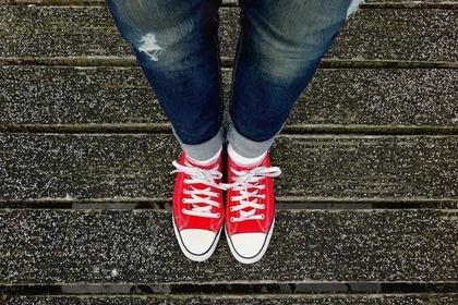 靴下を見せるコーデ