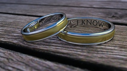 ネーム入りの指輪