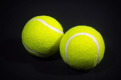 2個のテニスボール