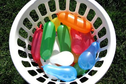 色鮮やかな水風船