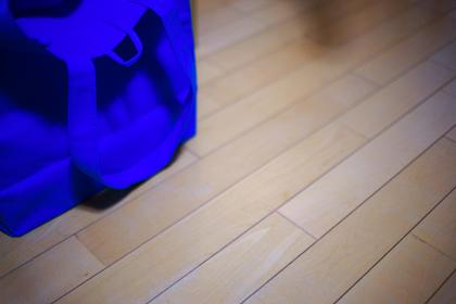 青色のトートバッグ