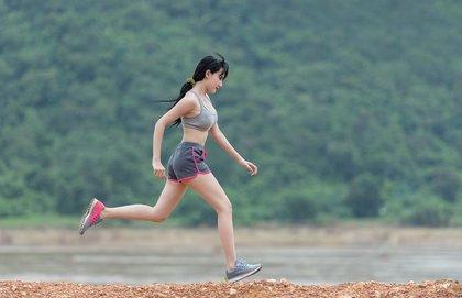 運動中の女性