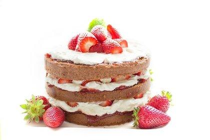 クリームたっぷりのケーキ