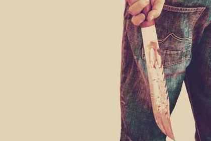 刃物と男性