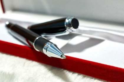 蓋のあいたペン