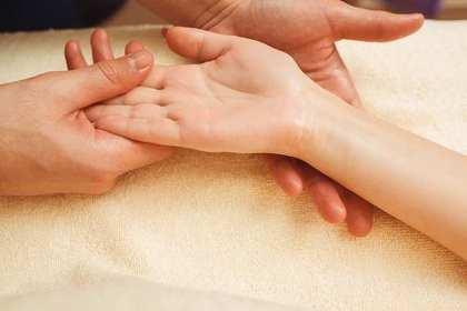 手指が乾燥しているかどうか