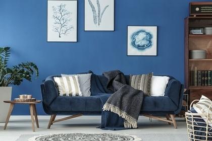 青っぽい部屋