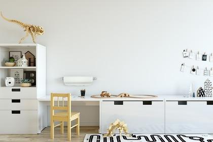 ホワイトの机