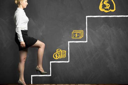 イラストの階段を登る女性