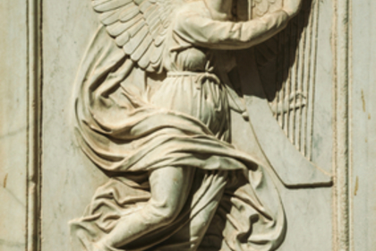 天使の彫刻