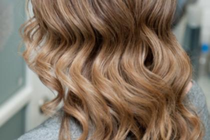 巻いた髪の毛