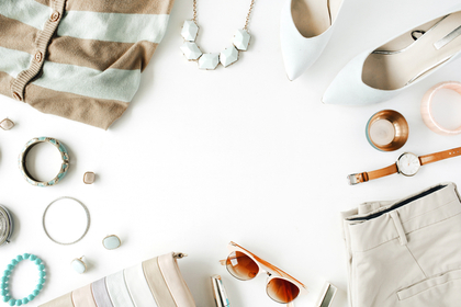 白のファッション小物
