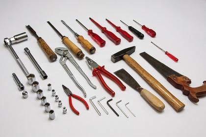 ヘラと他の工具