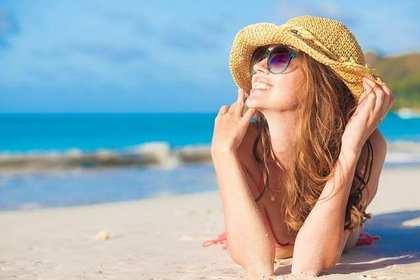 夏の海の女の子