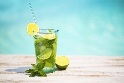 炭酸水で作ったジュース