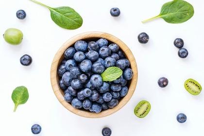 少し似ている青い果実