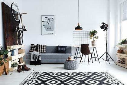 白と黒を基調とした部屋