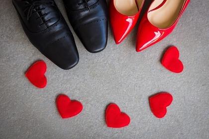 靴と赤いハート
