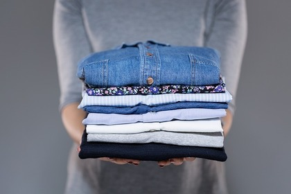 畳んだシャツ