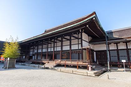 神聖な神社のイメージ