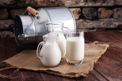 牛乳用のペール缶