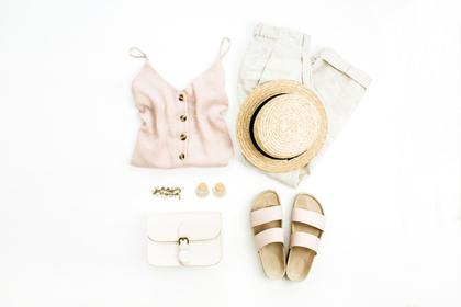 夏のファッションアイテム