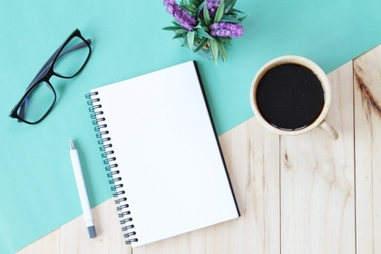 コーヒーと勉強ノート